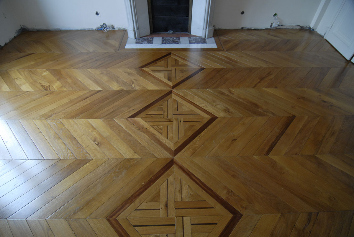 atelier des granges french parquet chevron hard wood floor 4 642. Black Bedroom Furniture Sets. Home Design Ideas
