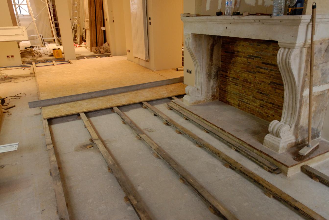 Atelier des granges french parquet preparation of for Plinthe bois avec sol carrelage