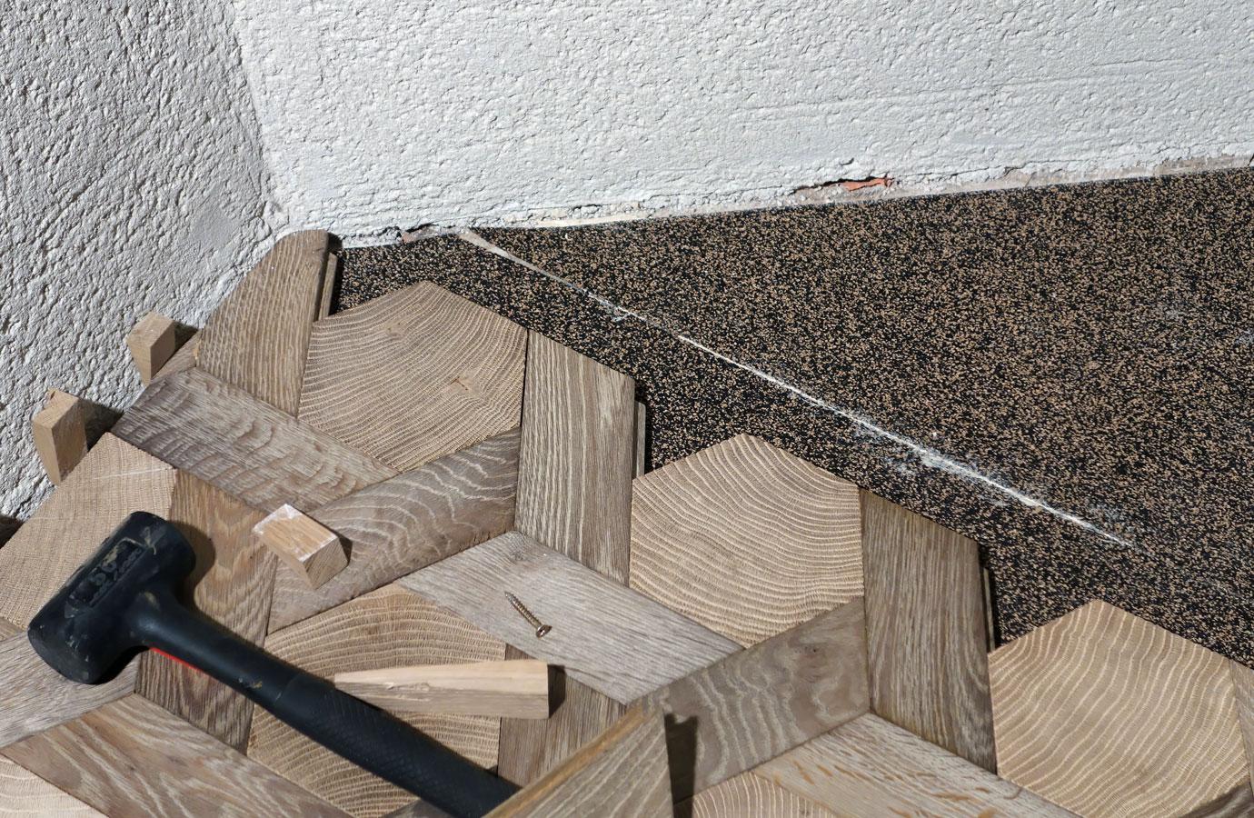 d tail de pose parquet tapis hexagone en bois debout et bois de fil ch ne massif n 956. Black Bedroom Furniture Sets. Home Design Ideas