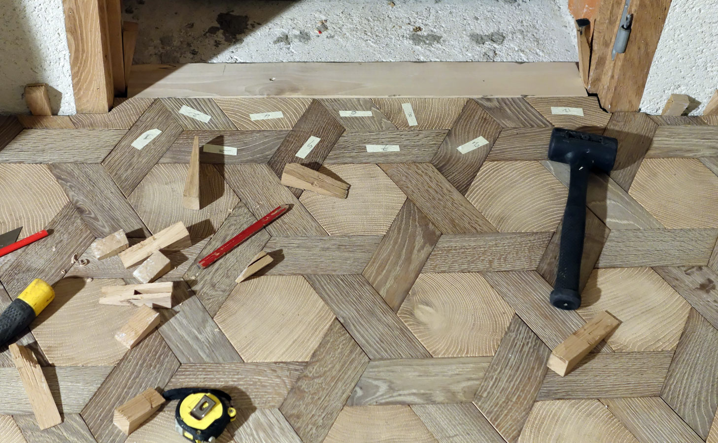 gestion de la porte parquet tapis hexagone en bois debout et bois de fil ch ne massif n 958. Black Bedroom Furniture Sets. Home Design Ideas