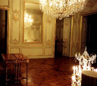panneaux versailles dans le petit salon un parquet de versailles paris place vend me n 20. Black Bedroom Furniture Sets. Home Design Ideas