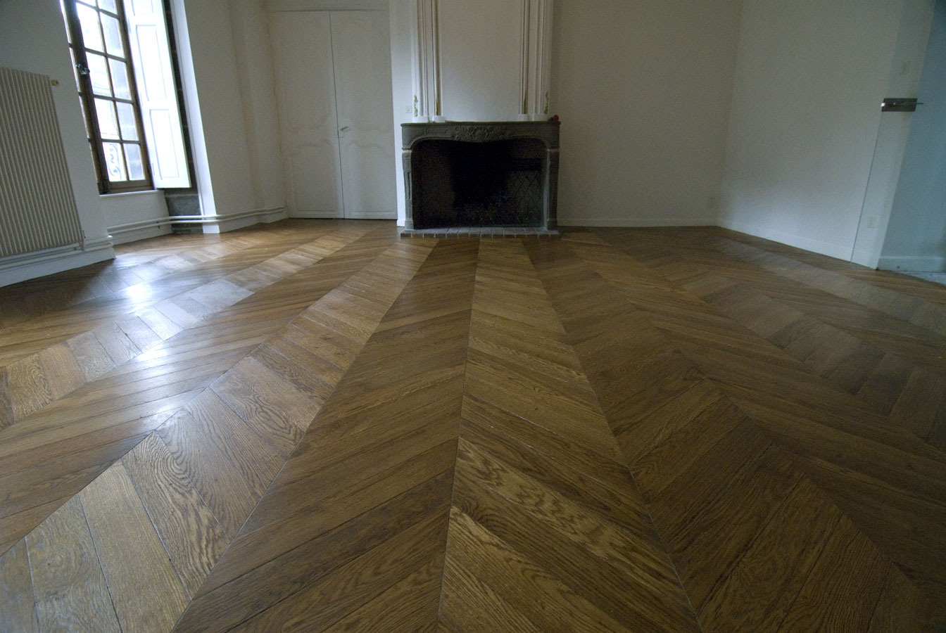 vue g n rale du parquet point de hongrie parquet chevron dans un bel appartement ancien n 441. Black Bedroom Furniture Sets. Home Design Ideas