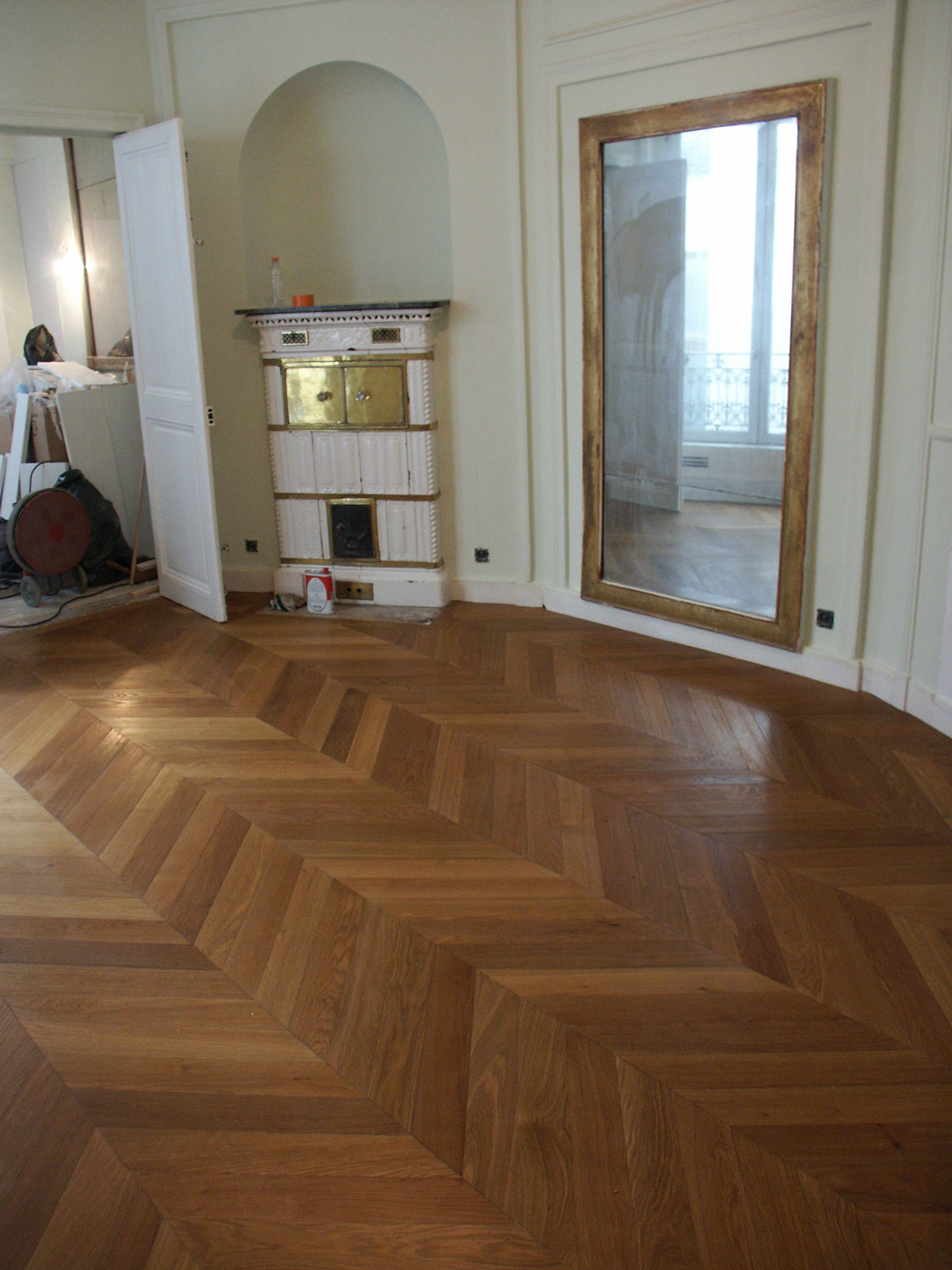 parquet point de hongrie du parquet point de hongrie dans un appartement parisien n 77. Black Bedroom Furniture Sets. Home Design Ideas